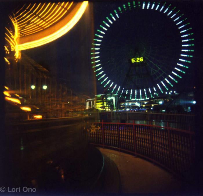 lori-ono-amusement-minatomirai-yokohama-polaroid-holga-ferris-wheel-night-color-blur