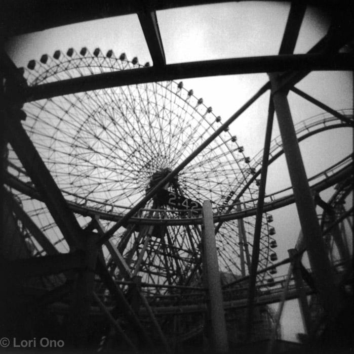 lori-ono-amusement-minatomirai-yokohama-polaroid-holga-ferris-wheel-rollercoaster